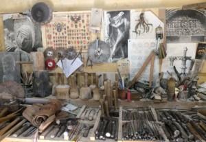 Claude et Christophe CHEVENEMENT utilisent les mêmes outils qu'au XIIIème siècle